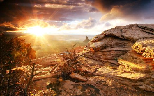 Canyonlands-National-Park-Sunrise-Landscape